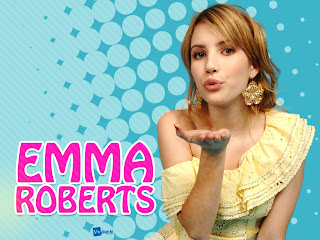 Emma Roberts Sending Kiss Halftone Background HD Wallpaper