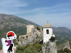 El catganer al Castell de Guadalest.