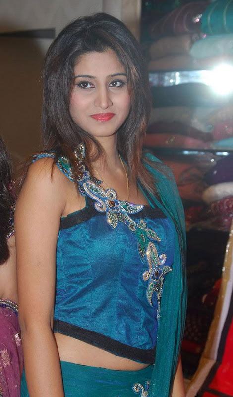 Actress Shamili Cute Stills Rubys Sare navel show