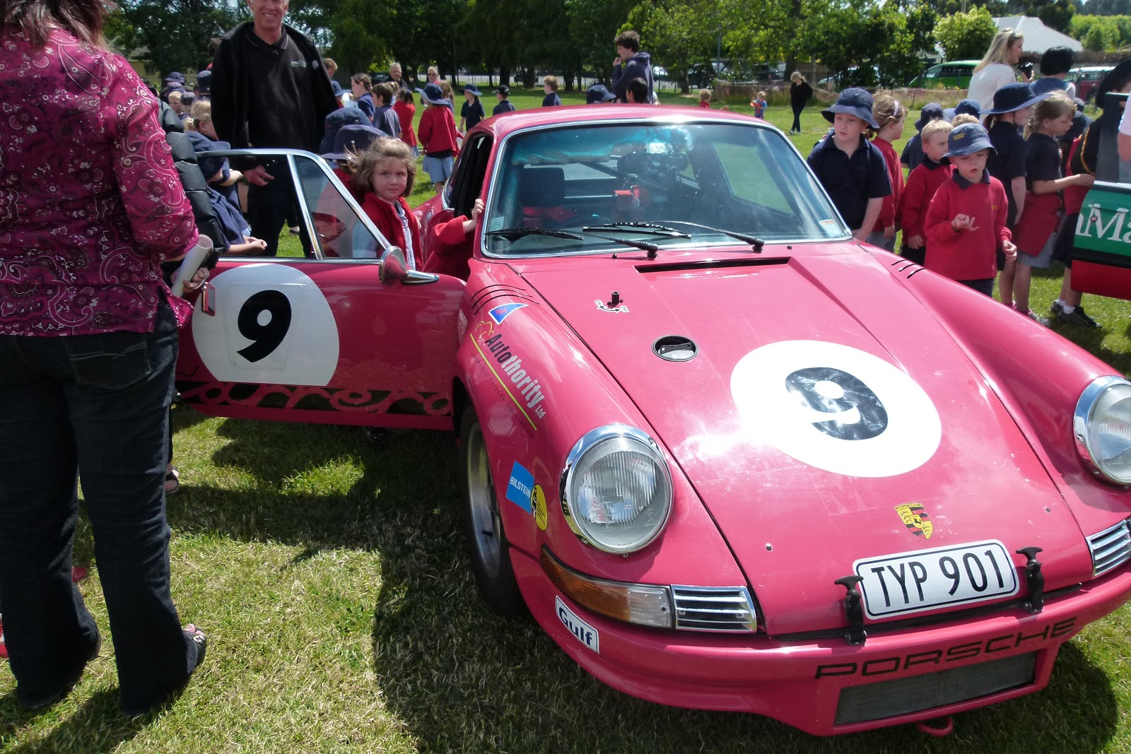 9plus10: V8 Cars come to Halswell School