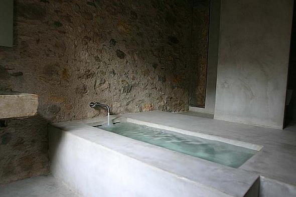Bañera apartamento con estilo rústico
