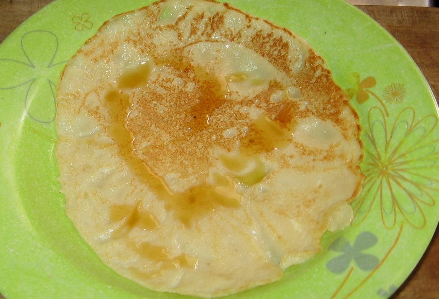 plain pancake with honey for honey lovers