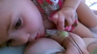 allaiter bébé malade allaitement hopital collier calinou koala téter