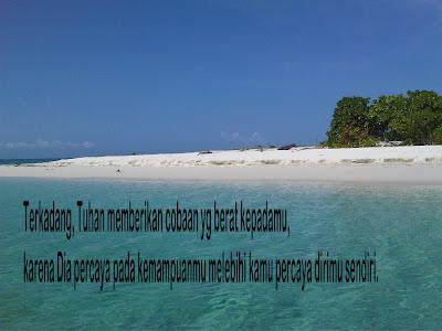 foto gambar pantai yang indah dan tenang