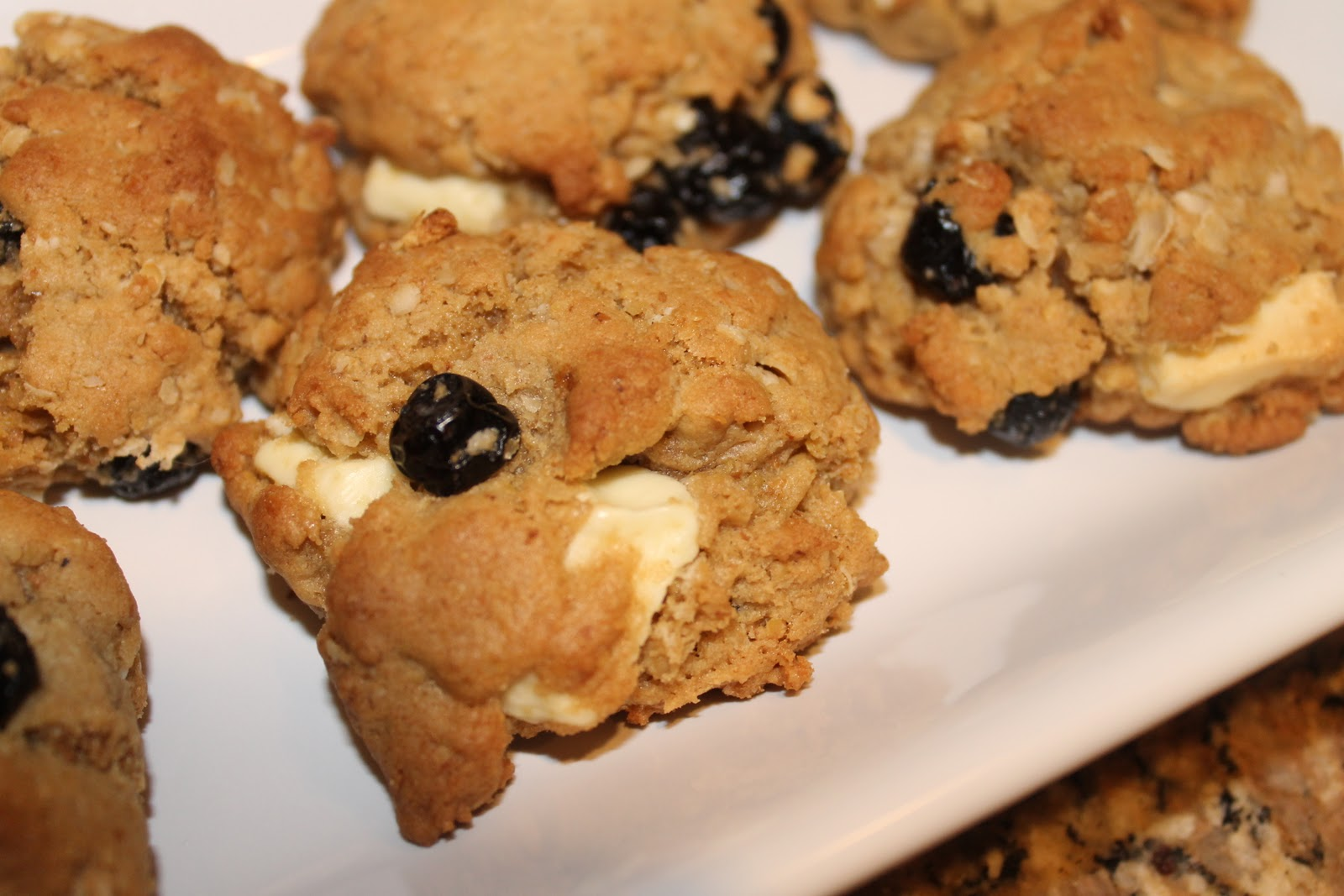 The Pink Dish: Blueberry and White Chocolate Chunk Ginger ...