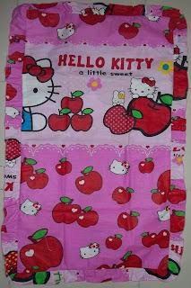 Sarung bantal cinta Hello Kitty