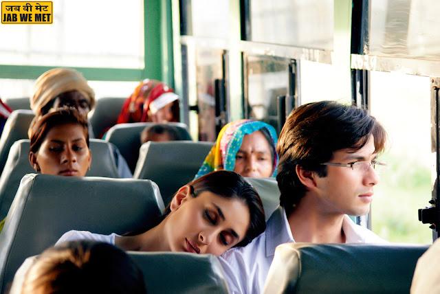 shahid kapoor and kareena in train