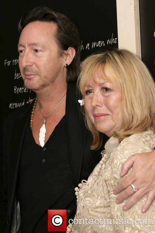 Hella Heaven: Julian Lennon: at peace in spite of John and Yoko