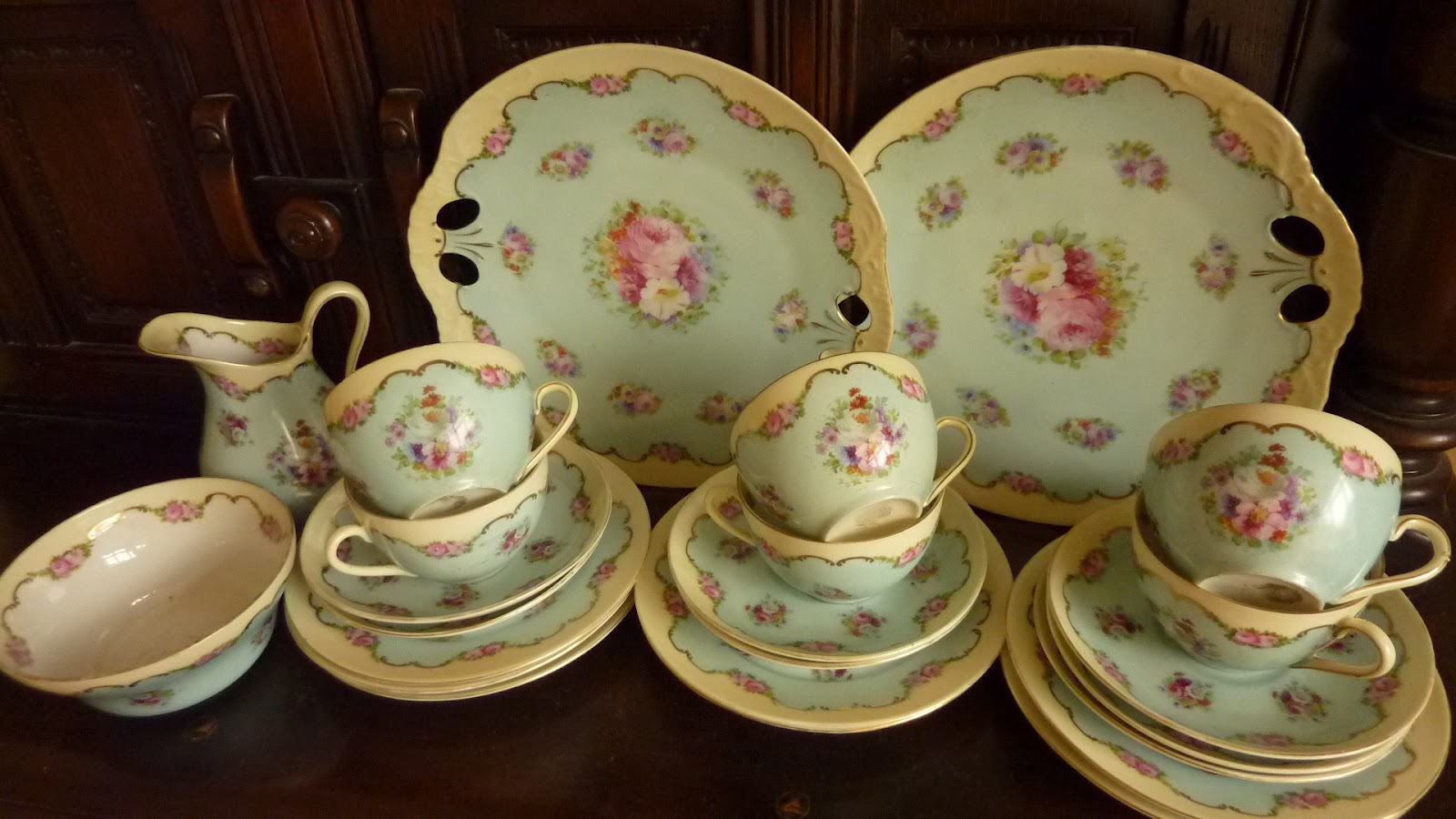 Oh So Adorable Vintage Tea Set : So instead I have been doing the rounds of the tail-end of the car ...