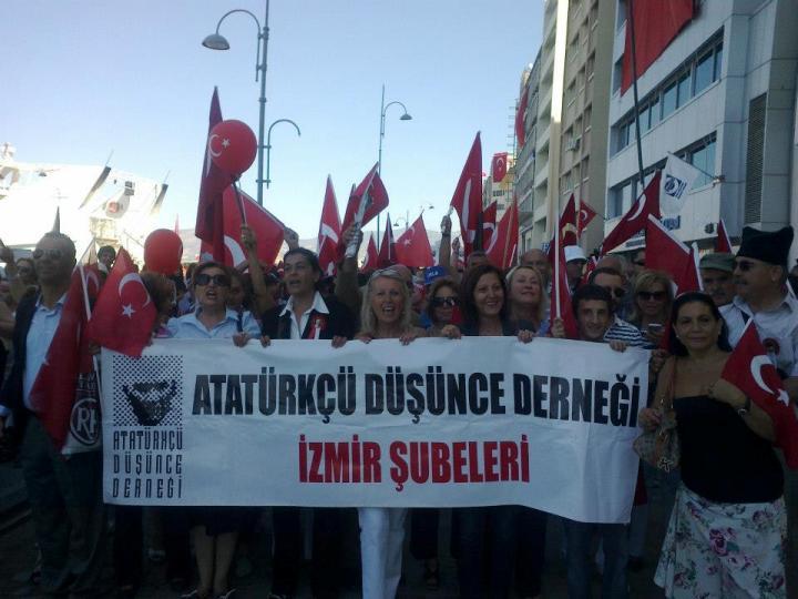 Επιβάλουν με νόμο την πολιτιστική κατοχή της Ελλάδας από τους Τούρκους