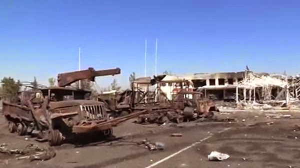 """Донецкий аэропорт – """"горячая точка"""" на линии боевых действий."""