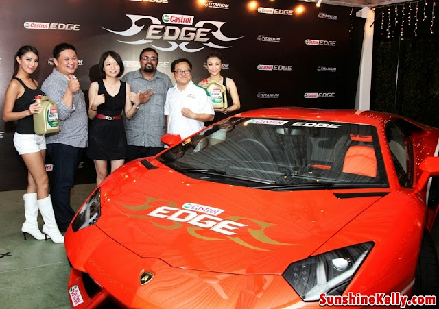 3 grand prizes winners with Mark Ng Castrol Marketing Director,  Malaysia, Singapore, Philippines