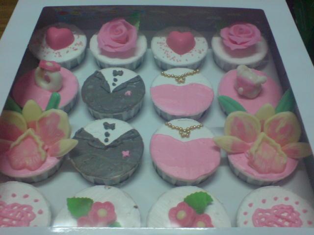 Hantaran cupcakes (Buttercream + coklat)