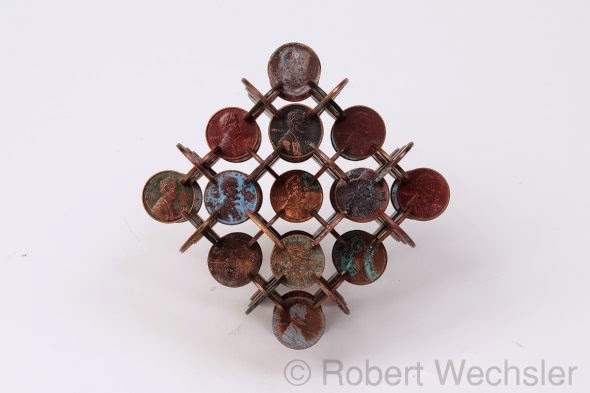 Robert Wechsler arte esculturas geométricas simétricas feitas de moedas centavos pennies Dinheiro