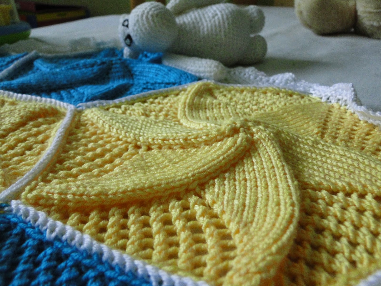 Baby Star Blanket Pattern made with knitted hexagons