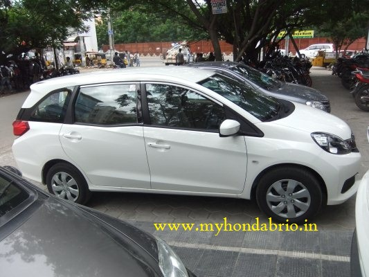 Honda Mobilio White Color Spotted Outside Pride Honda for ...