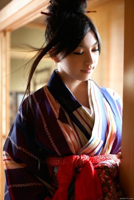 cewek jepang sexy memakai kimono budi utomo peternak