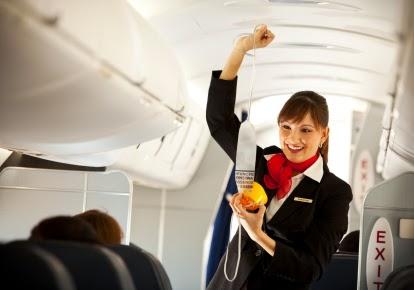 lentoemäntä, lentoemo, flightattendant, air hostess, cabin attendant, cabin crew, matkustamohenkilökunta, safety demo