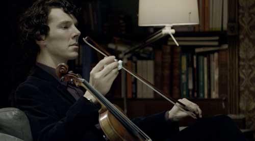 Benedict Cumberbatch KÉPEK, FOTÓK - Page 6 Sherlock+with+violin