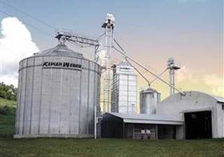 Armazém móvel para secagem  de grãos é apresentado em Goiás