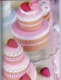caixas encapadas e decoradas com tecido - modelo bolo