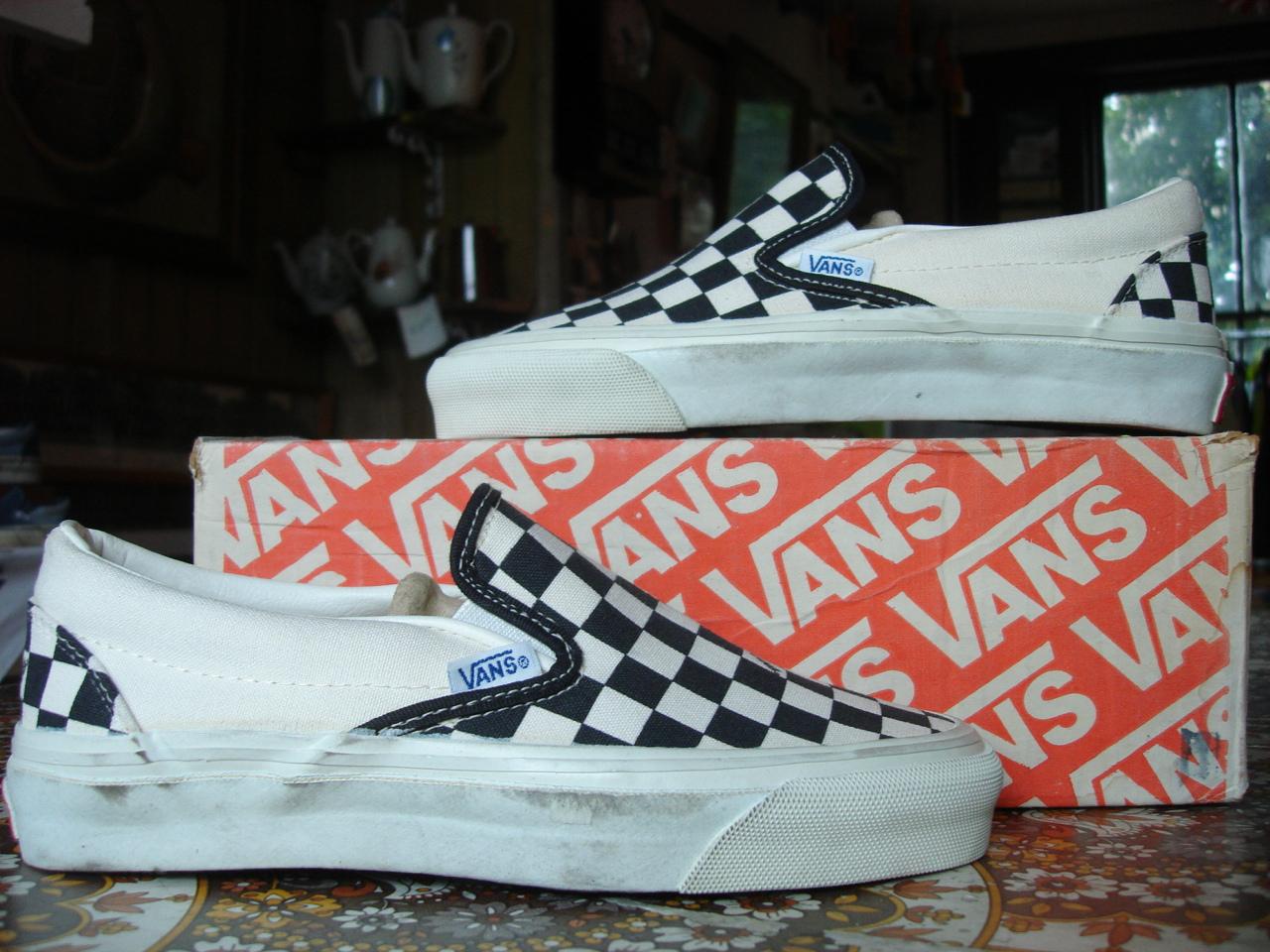 Theothersideofthepillow  Vintage Vans Black  U0026 White Logo Checkerboard Slip