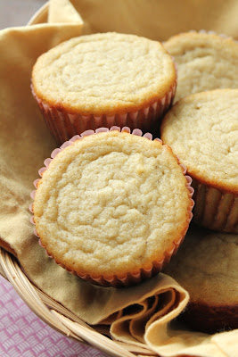 low-fructose sorghum muffins in basket