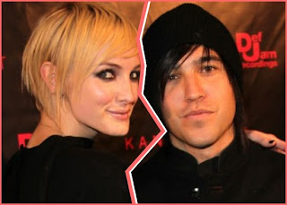 Ashlee Simpson and Pete Wentz officially divorced
