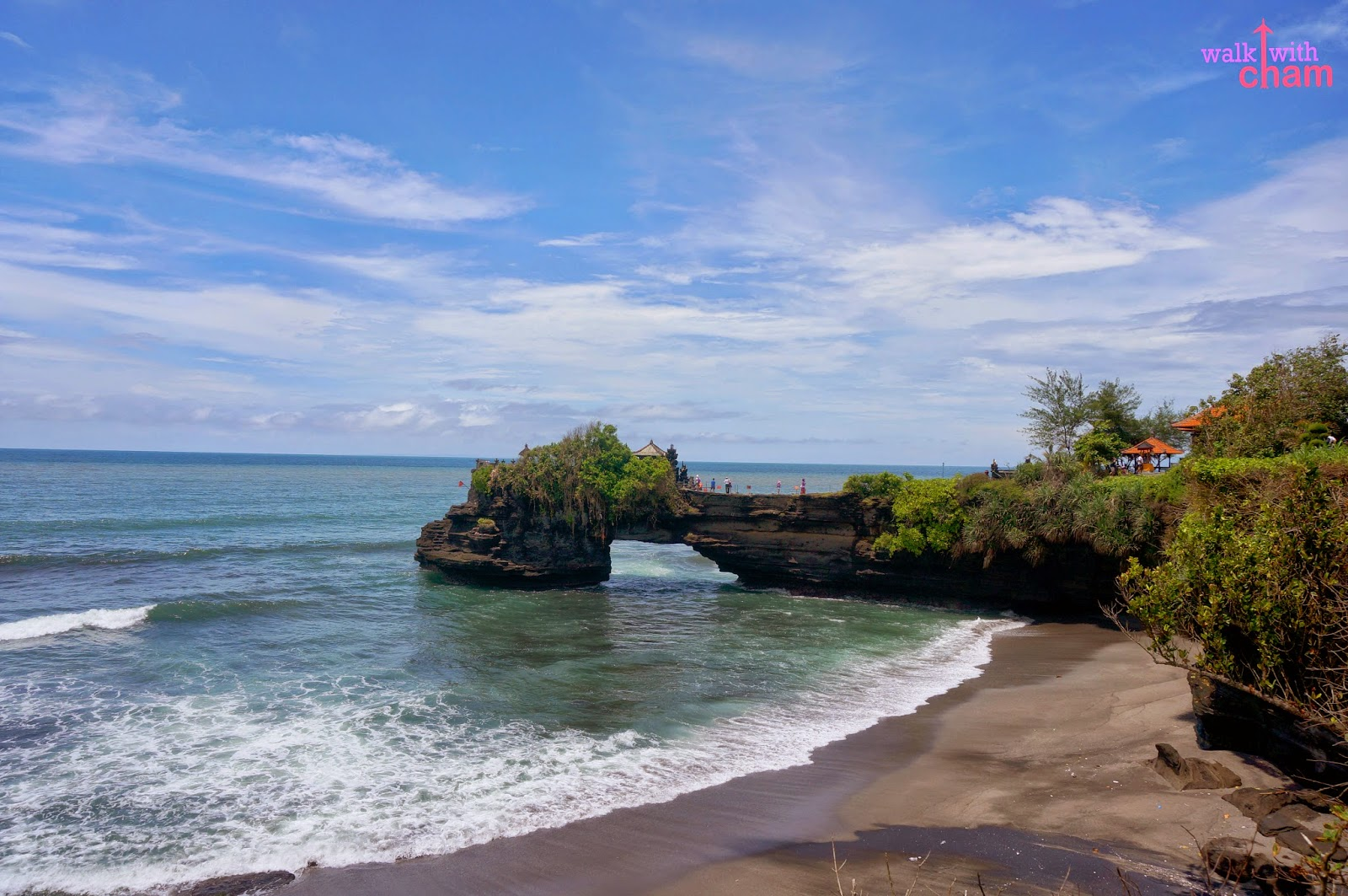 tanah lot Tanah lot temple bali, everything about tanah lot bali - indonesia, the best time to visit and experience the beautiful view of tanah lot sunset.