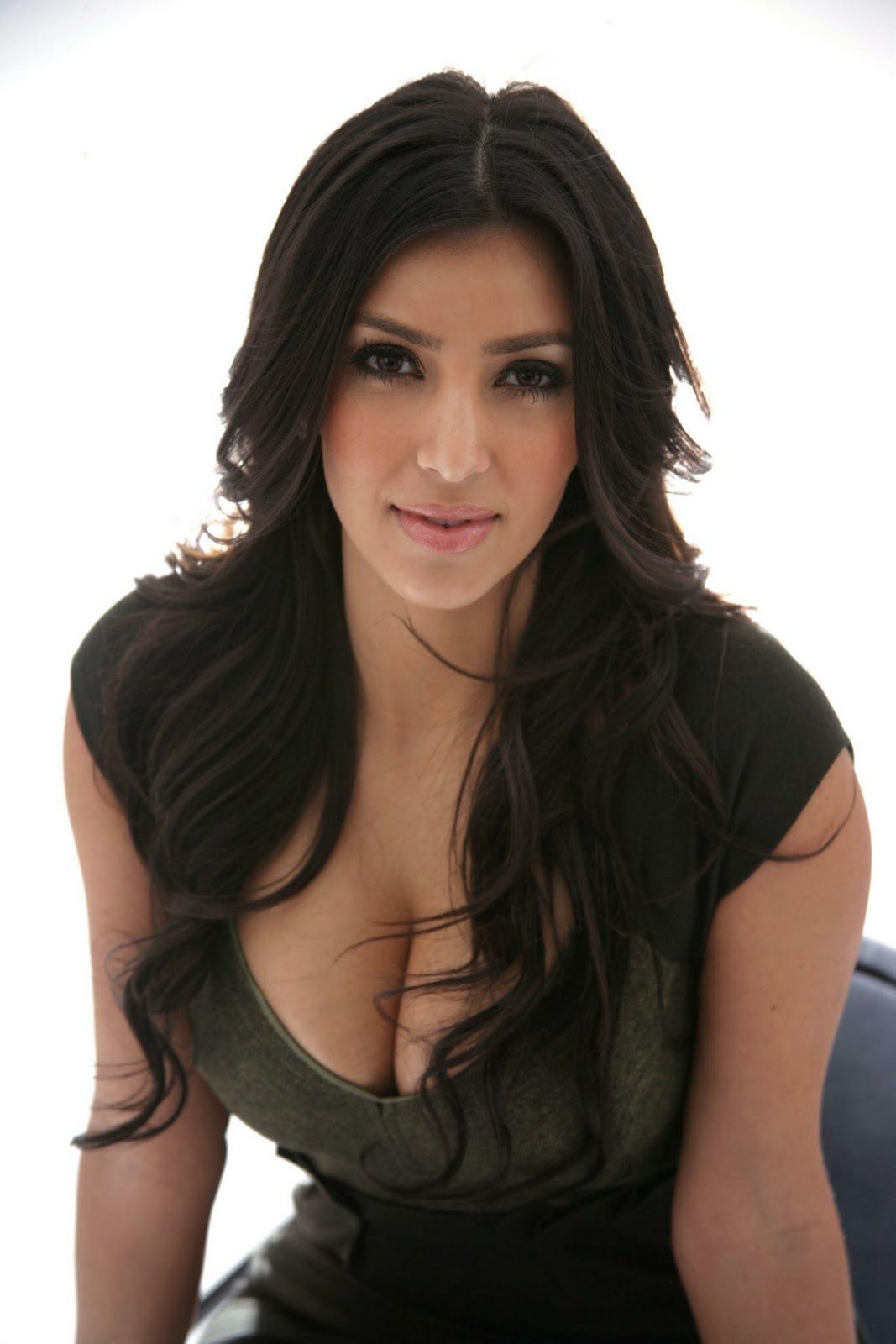 http://1.bp.blogspot.com/-SLoPDa-7zyk/TrTLh_WvQOI/AAAAAAAAAq0/lNU7QU8k-lI/s1600/Kim-Kardashian-divorce.jpg