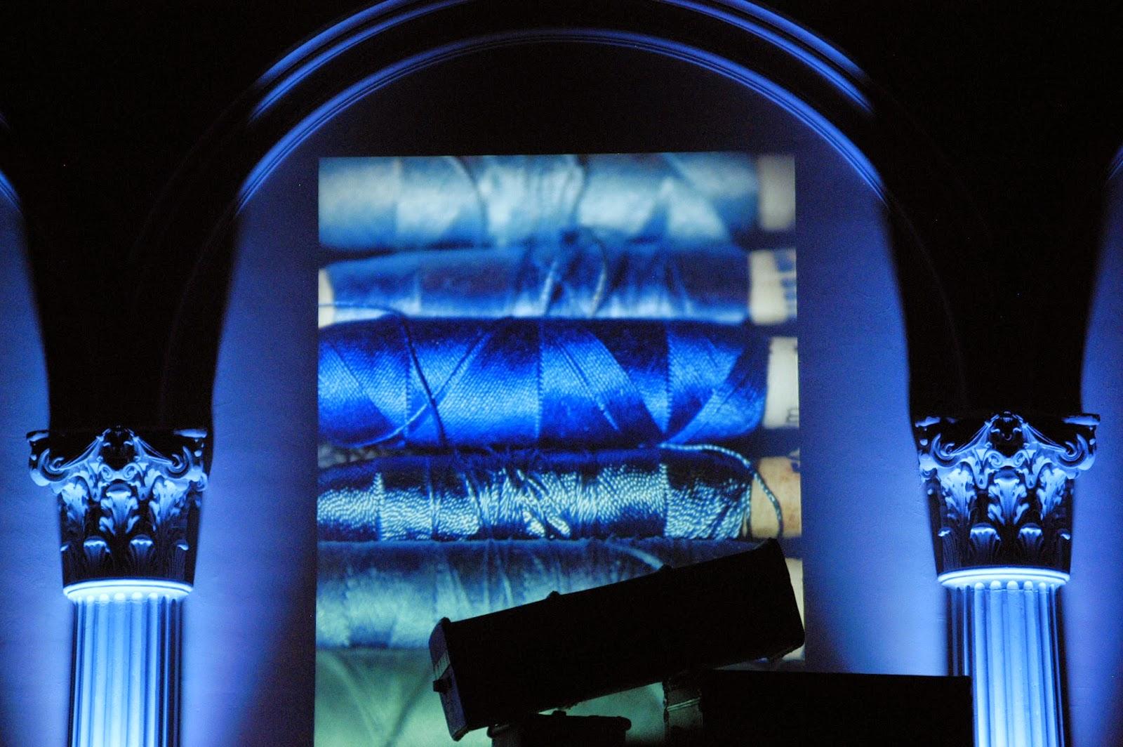 kleidermacher atelier farben und ihre bedeutung blau. Black Bedroom Furniture Sets. Home Design Ideas