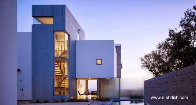 Sector de residencia contemporánea californiana con piscina