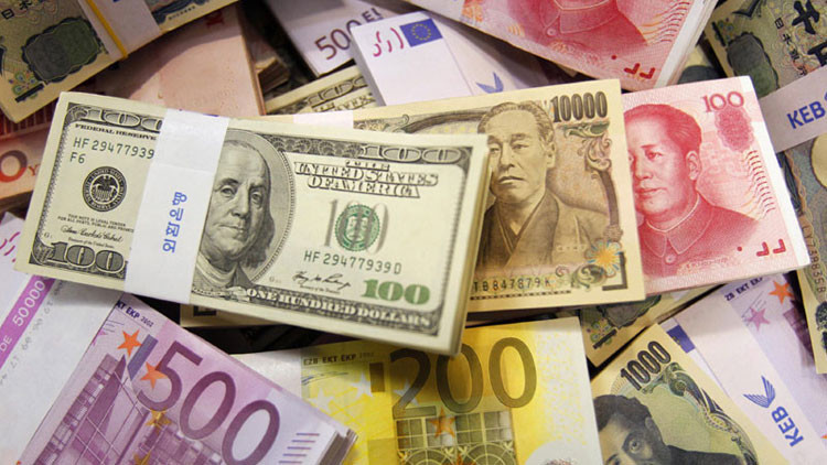 El club de Bilderberg discute eliminar el papel moneda