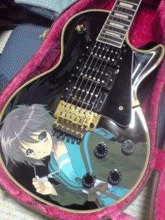Guitarras pintadas con dibujos anime. 298479_10150310208594819_213182229818_7683180_930107627_n