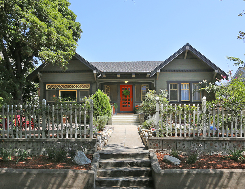 La ca ada flintridge real estate blog 1912 charming for Pasadena craftsman homes