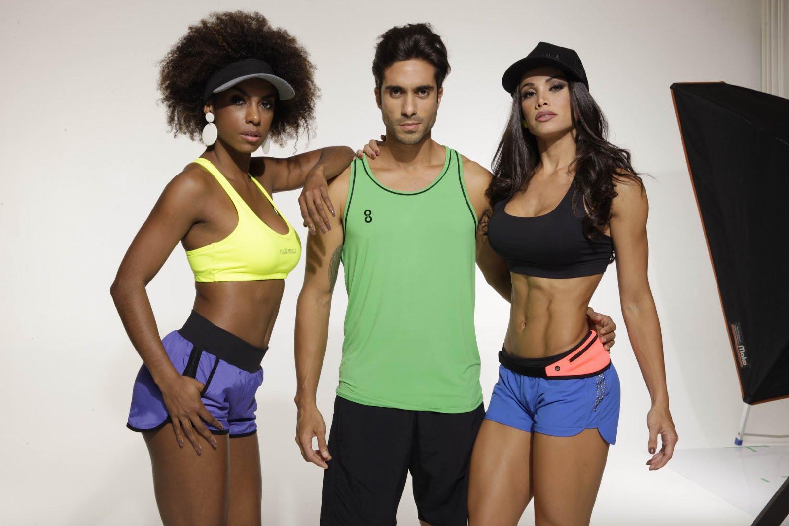 As bailarinas Fernanda D`avila e Ivi Pizzott posam com ator para catálogo