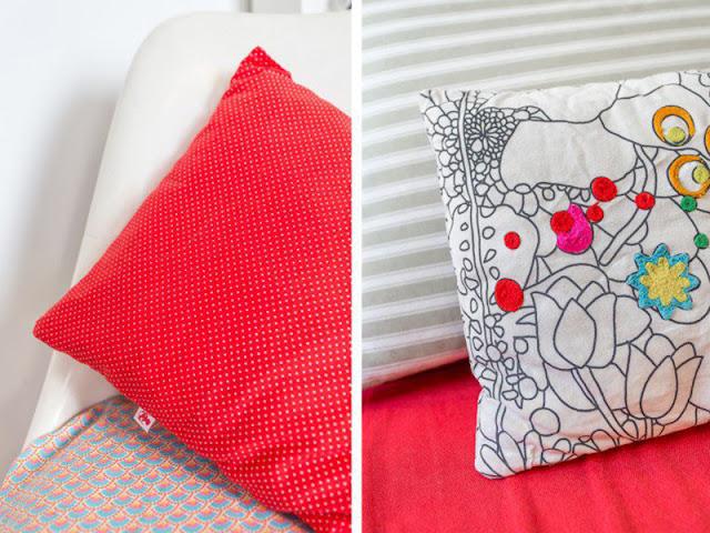 coussins colorés avec plusieurs motifs rouge poids broderies