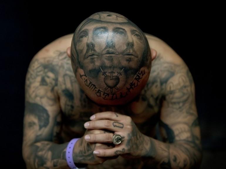 Tatouage Prenom Photos et Modèles - Tatouage Ecriture Gothique Avant Bras