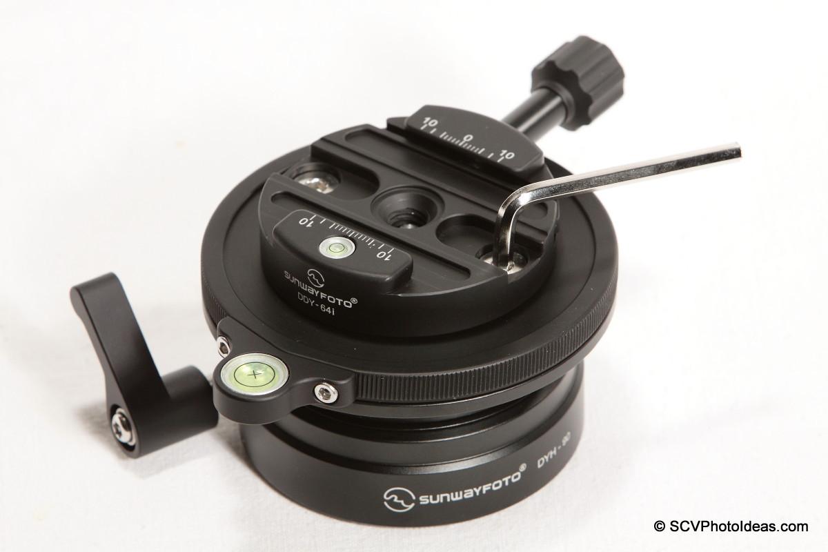 Sunwayfoto DYH-90 - DDY-64iL QR clamp removal