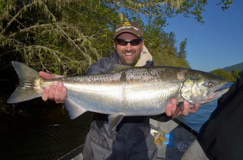 Guided salmon and steelhead fishing on the rogue umpqua for Best fishing times for today