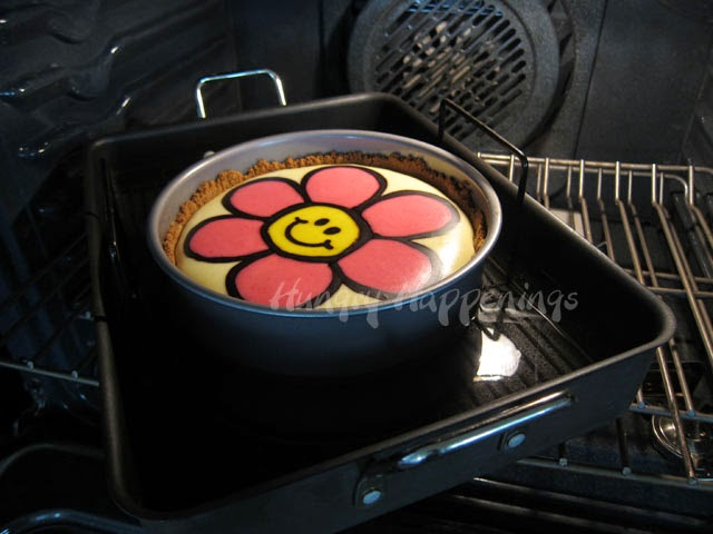 Baking cheesecake in a water bath