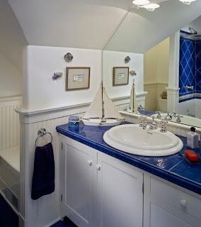 kamar+mandi+anak+kecil+warna+biru Desain kamar mandi kecil cantik untuk anak anak