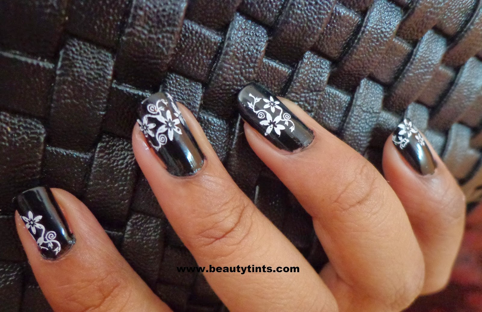 Sriz Beauty Blog: Konad Stamping Nail Art Promotion Kit Review and ...