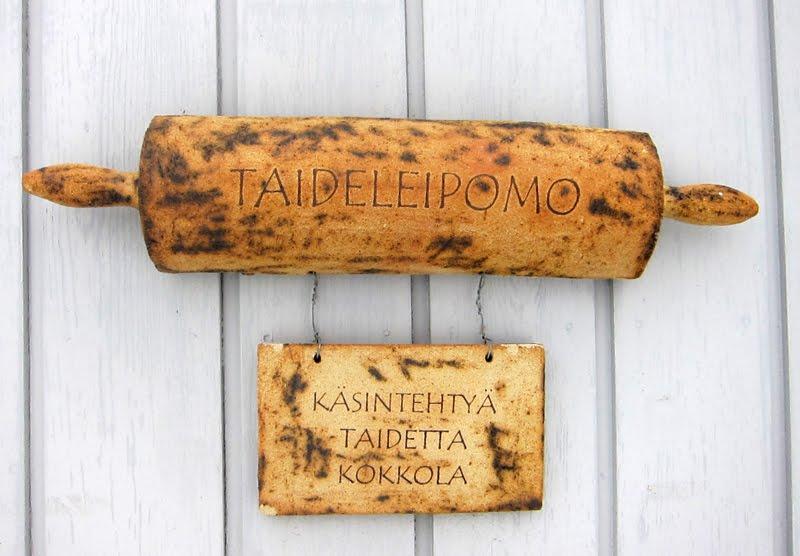 TAIDELEIPOMO & VOHVELIKAHVILA