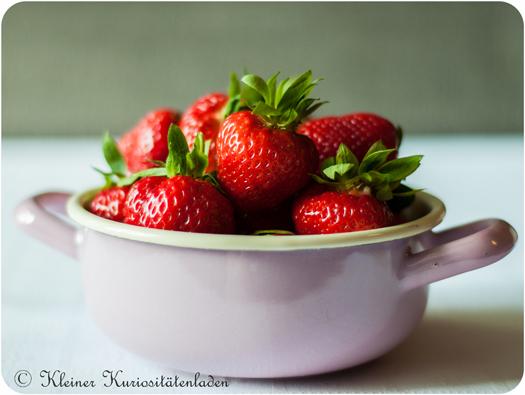 die ersten Erdbeeren des Jahres