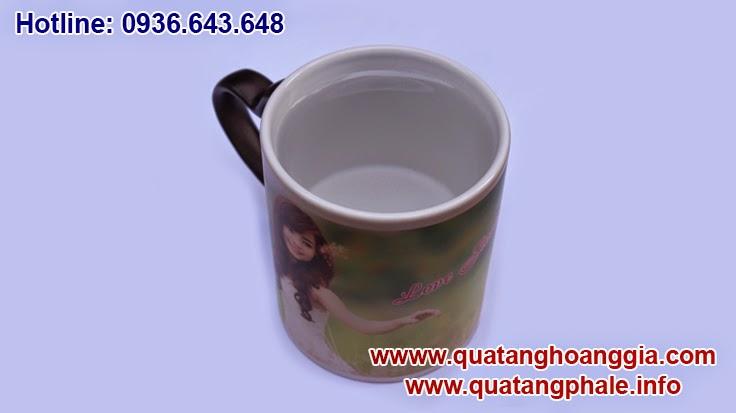 quà tặng ý nghĩa với in ảnh lên cốc đổi màu hãy đến với quà tặng hoàng gai để cùng làm ra chiếc cốc cảm biết nhiệt