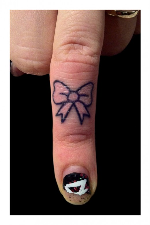 Awesome girl tattoo for Finger tattoos for girls