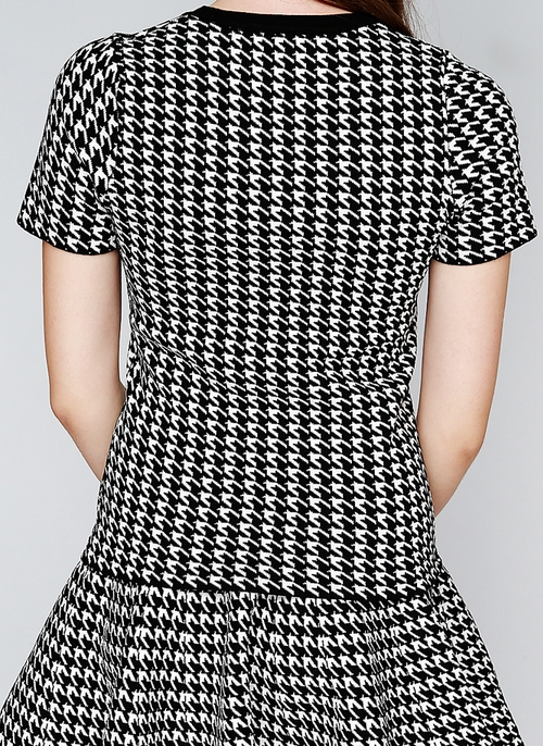 [Storets] Houndstooth Knit Top and Skirt Set KSTYLICK - Latest Korean Fashi...