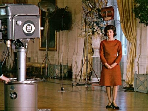 it 39 s about tv jackie kennedy leads a tour of the white
