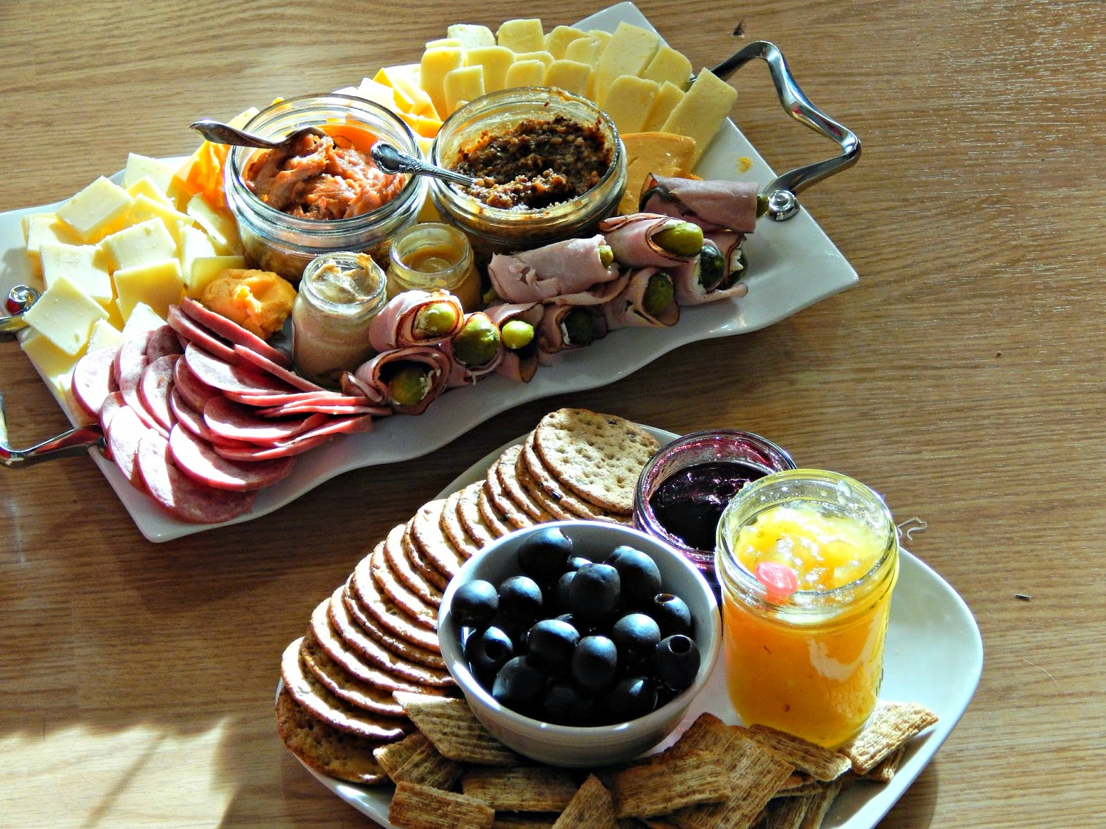 @melissakaylene #christmas food platter ideas